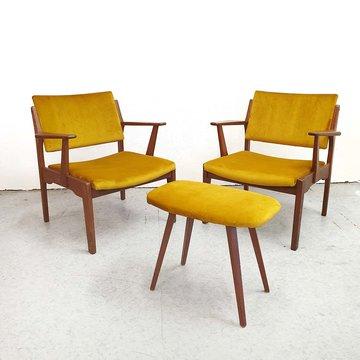 Vintage fauteuils en voetenbankje, geel velours