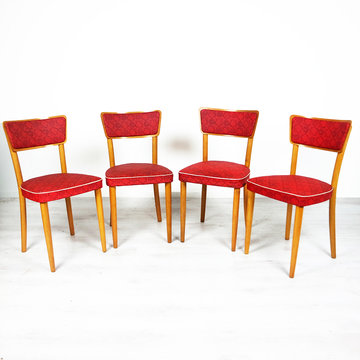 Vier vintage stoelen