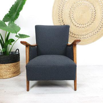 Donkergrijze fauteuil, opnieuw gestoffeerd
