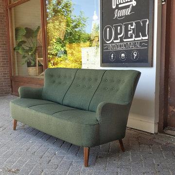 Vintage Artifort driezitsbank, opnieuw gestoffeerd