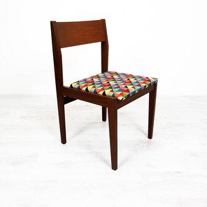 Vintage eetkamerstoel, opnieuw gestoffeerde zittingen